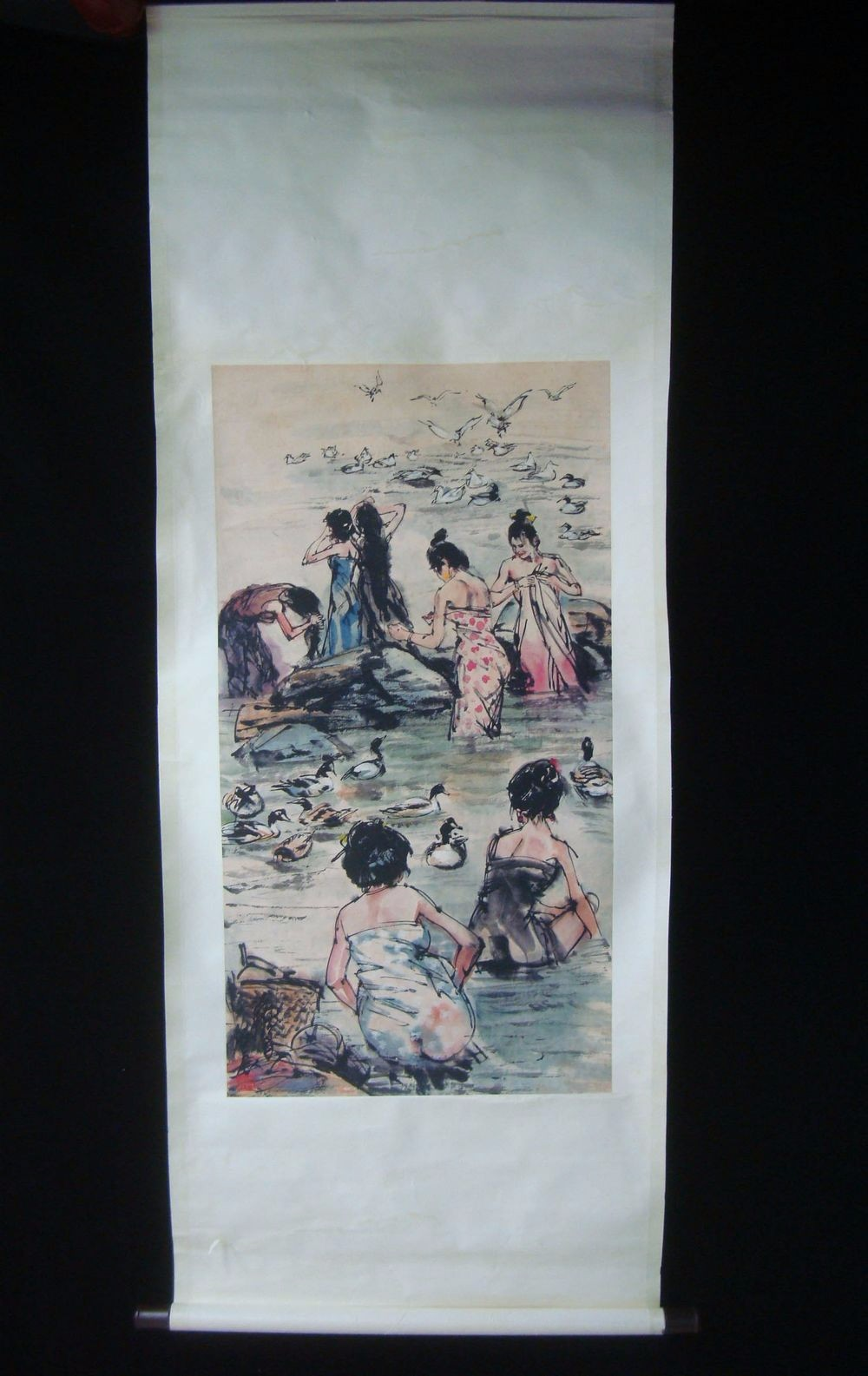 Very Large Beautiful Chinese Scroll Hand Painting Bathing Women QC236